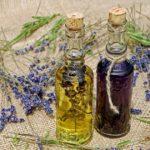 Seznamte se s moringovým olejem. Je skvělý na akné, polámané vlasy i vrásky